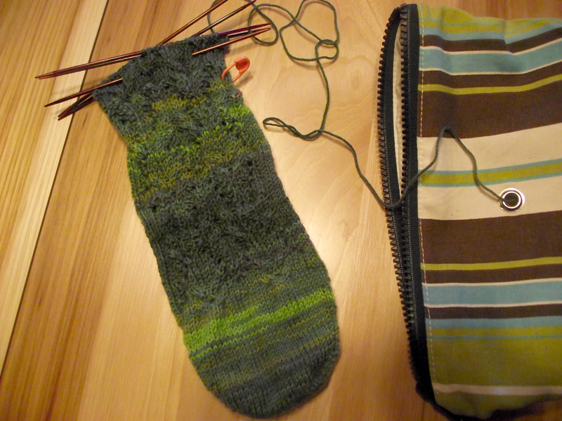 2013-10-big-foot-knits